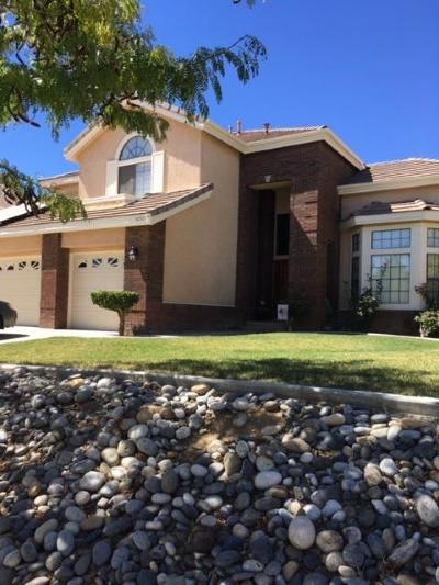 Lancaster Single Family Home For Sale: 42315 Round Hill Drive Drive