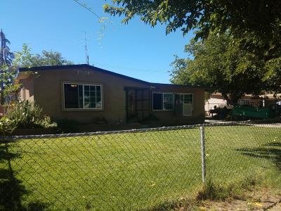 Lancaster, Palmdale, Quartz Hill Single Family Home For Sale: 2124 E Ave Q5
