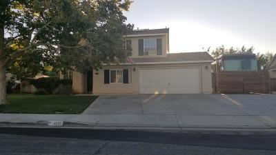 Palmdale Single Family Home For Sale: 40117 Villa Moura Drive