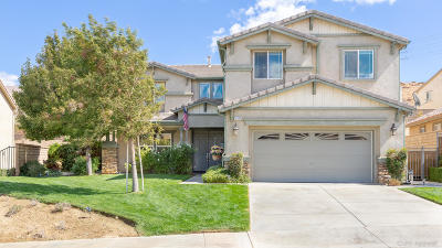 Palmdale Single Family Home For Sale: 37122 The Grvs