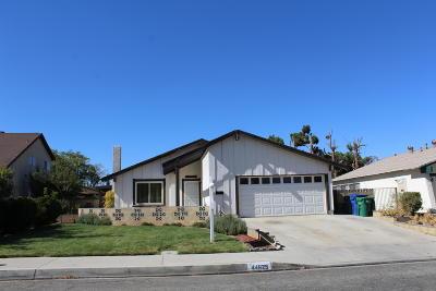 Lancaster Single Family Home For Sale: 44625 Fenhold Street