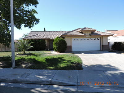 Palmdale Single Family Home For Sale: 38229 Mentor Court