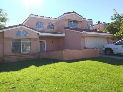 Palmdale Single Family Home For Sale: 1814 Apricot Drive
