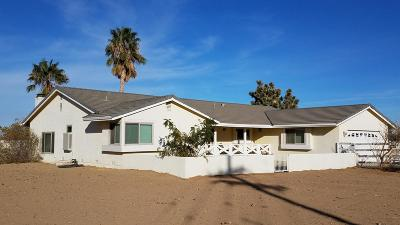 Palmdale Single Family Home For Sale: 40810 W 30th St W Street