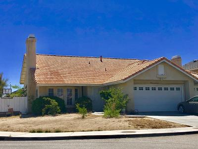 Palmdale CA Single Family Home For Sale: $325,000
