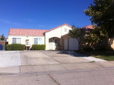 Lancaster, Palmdale, Quartz Hill Single Family Home For Sale: 37304 Calle Mazatlan