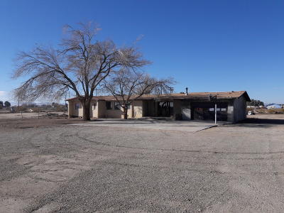 Rosamond Single Family Home For Sale: 2097 Highway 14 Highway