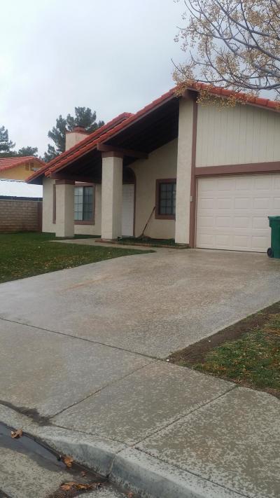 Palmdale Single Family Home For Sale: 1729 Morisan Avenue