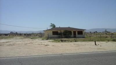 Lancaster Single Family Home For Sale: 526 E Avenue G