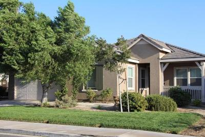 Palmdale Single Family Home For Sale: 6890 Jack Rabbit Way