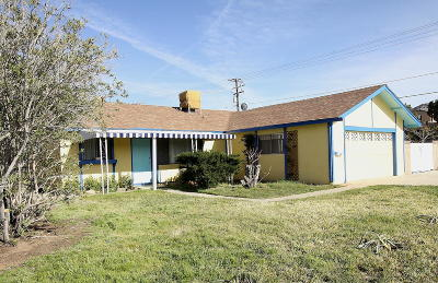 Palmdale Single Family Home For Sale: 38804 Foxholm Drive