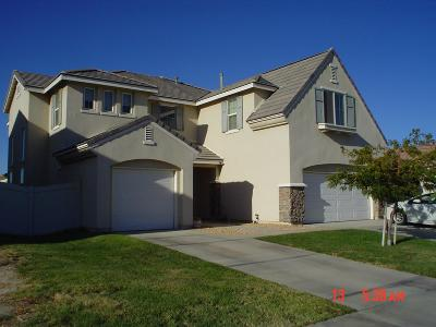 Palmdale Single Family Home For Sale: 6759 Bertillion Street