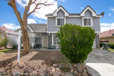 Rosamond Single Family Home For Sale: 1032 Holloway Avenue