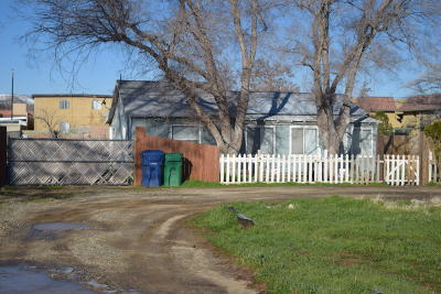 Palmdale Single Family Home For Sale: 38101 E 12th Street
