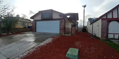 Palmdale Single Family Home For Sale: 37643 Lasker Avenue