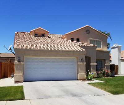 Palmdale Single Family Home For Sale: 37653 Harvey Street