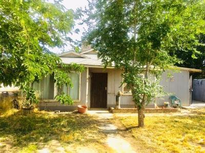 Lancaster Single Family Home For Sale: 638 E Ave G
