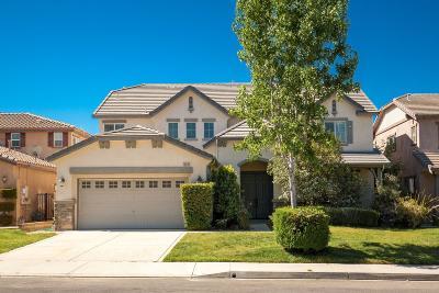 Santa Clarita Single Family Home For Sale: 24318 Via La Casa