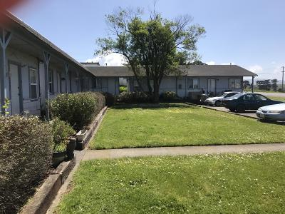 Humboldt County Multi Family Home For Sale: 2547 Eel River Drive