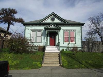 Eureka Single Family Home For Sale: 226 W Wabash Street