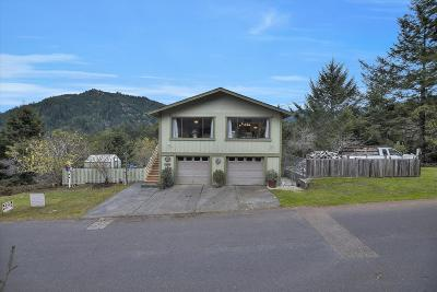 Whitethorn  Single Family Home For Sale: 385 Humboldt Loop