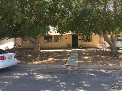 Brawley Single Family Home For Sale: 240 W C St
