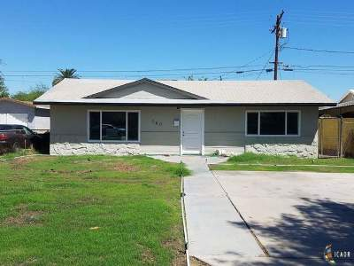 El Centro Single Family Home Contingent: 560 W Vine St