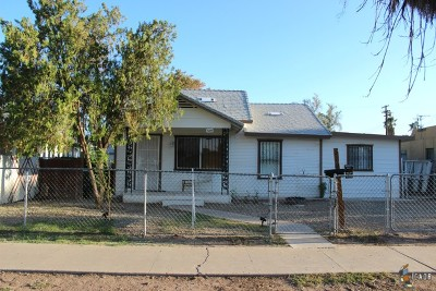Calexico CA Multi Family Home For Sale: $285,000