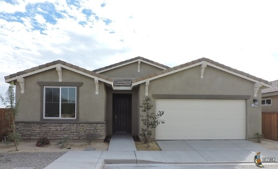 Brawley Single Family Home For Sale: 339 Marigold Pl