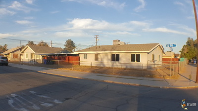 El Centro Single Family Home Contingent: 715 N 10th St