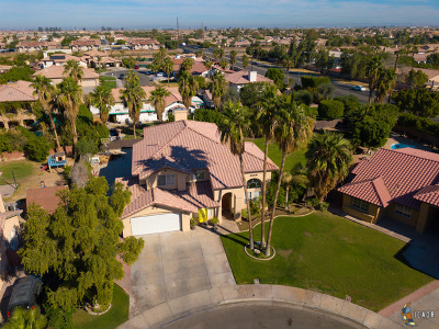 Calexico, Imperial Single Family Home For Sale: 1093 Santiago Dr