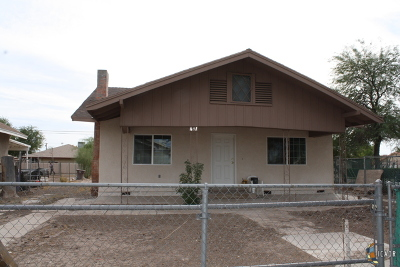 El Centro Single Family Home For Sale: 691 W Olive Ave