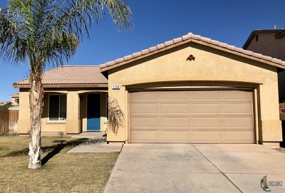 El Centro Single Family Home Contingent: 1334 Meadowview Ave