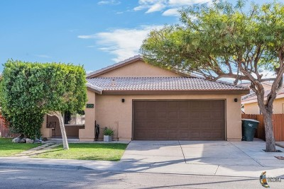 Calexico Single Family Home For Sale: 1236 Meadow Dr