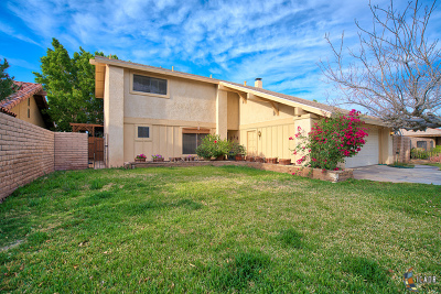 El Centro Single Family Home Contingent: 1788 Desert Gardens Dr