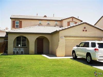 El Centro Single Family Home For Sale: 856 Mountainview Ave