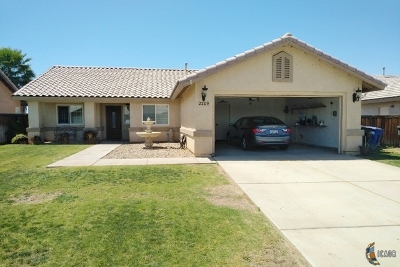 Calexico CA Single Family Home For Sale: $285,000