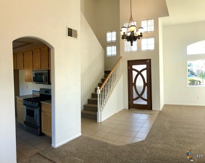 Calexico Single Family Home For Sale: 2166 Joe Acuna Ct