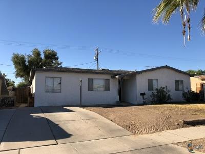 El Centro Single Family Home Contingent: 615 Smoketree Dr
