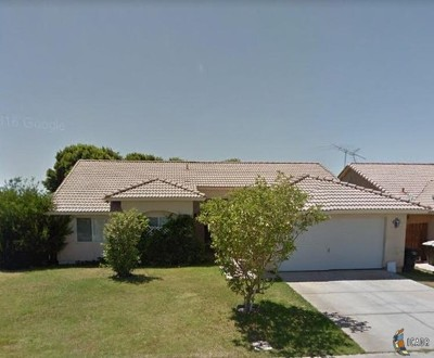 Imperial CA Single Family Home For Sale: $249,000