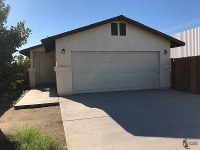 Calexico Single Family Home For Sale: 902 E 3rd St