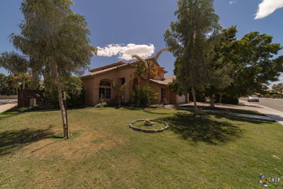 Calexico Single Family Home For Sale: 1224 Fiesta Ave