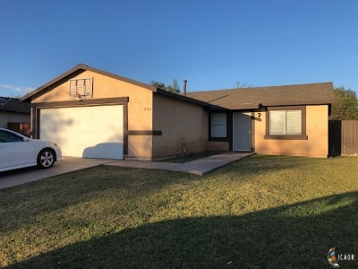 Calexico Single Family Home For Sale: 200 G Anaya Ave