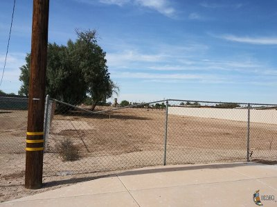 El Centro Residential Lots & Land For Sale: 338 W Pico Ave