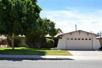 Single Family Home Sold: 833 Sierra Dr