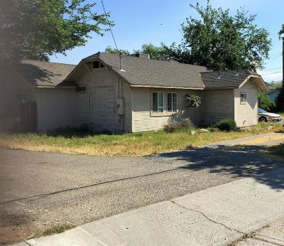 Porterville Single Family Home For Sale: 794 Pioneer Avenue