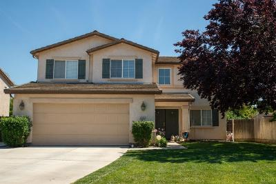 Hanford Single Family Home For Sale: 2033 W Picadilly Lane