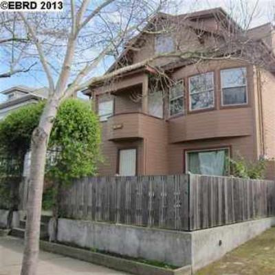 Berkeley CA Condo/Townhouse Sold: $429,000