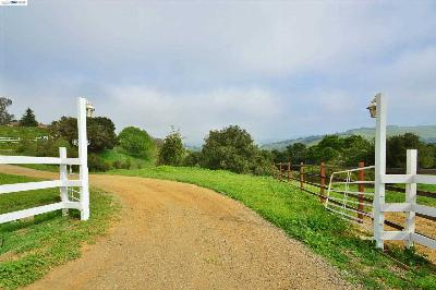 Hayward Residential Lots & Land For Sale: 26520 Fairview Avenue