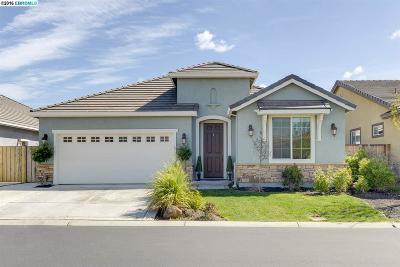 Single Family Home Sold: 9926 Pyramid Way